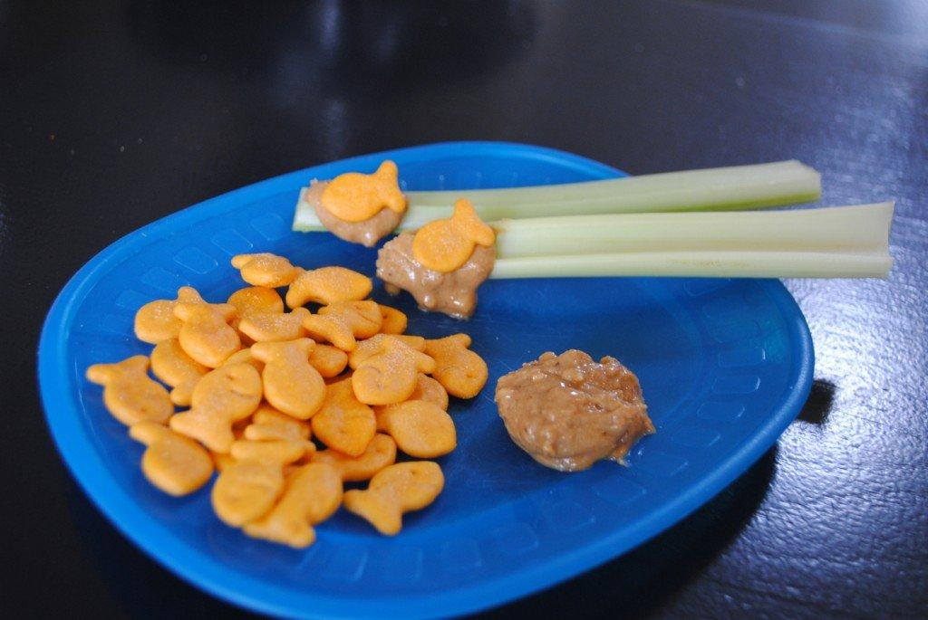 12 fun kid 39 s snack recipes with goldfish crackers for Gold fish snack