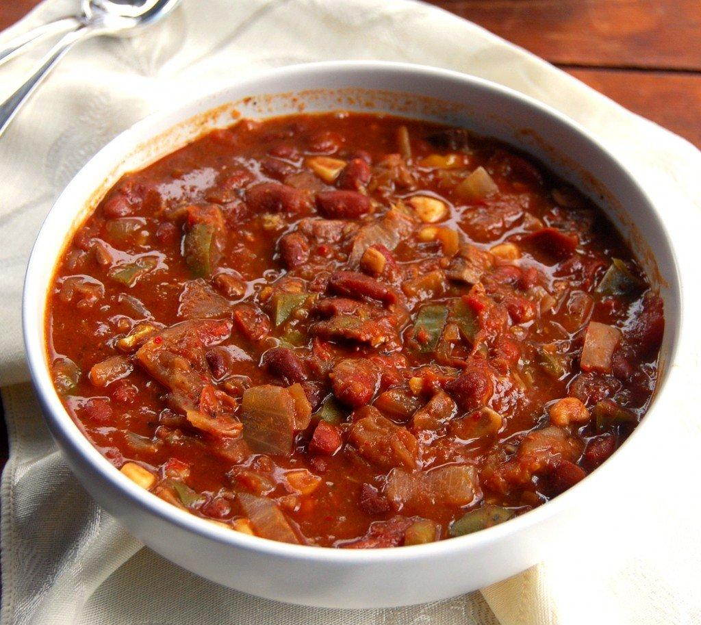 vegan-slow-cooker-chilli-1024x913