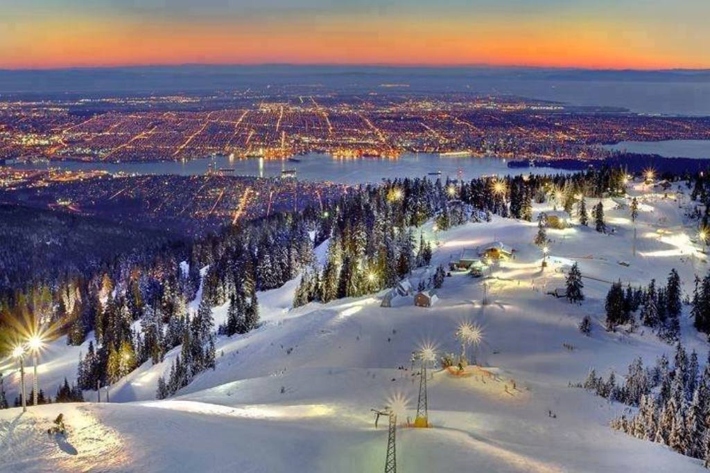 27 wonderful winter wonderland holiday destinations for Best places to visit in winter in usa