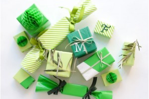 5 WAYS TO WRAP SMALL GIFTS