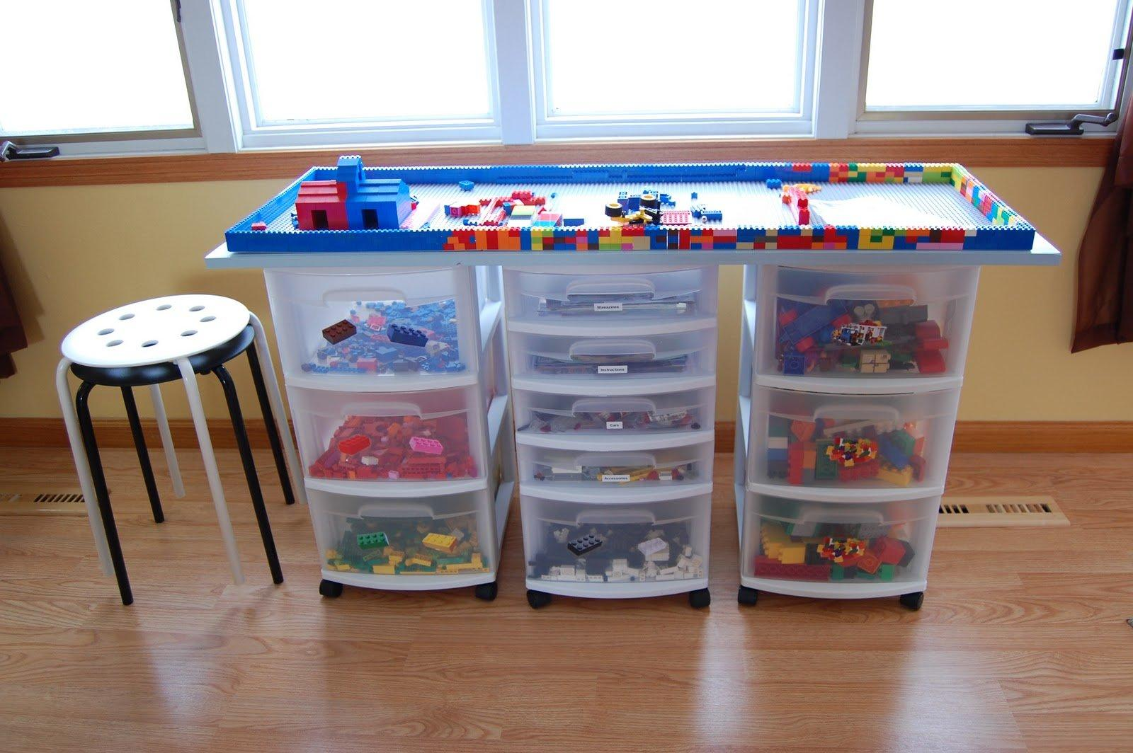 20 diy 39 s to help you store and organize the kids 39 toys. Black Bedroom Furniture Sets. Home Design Ideas