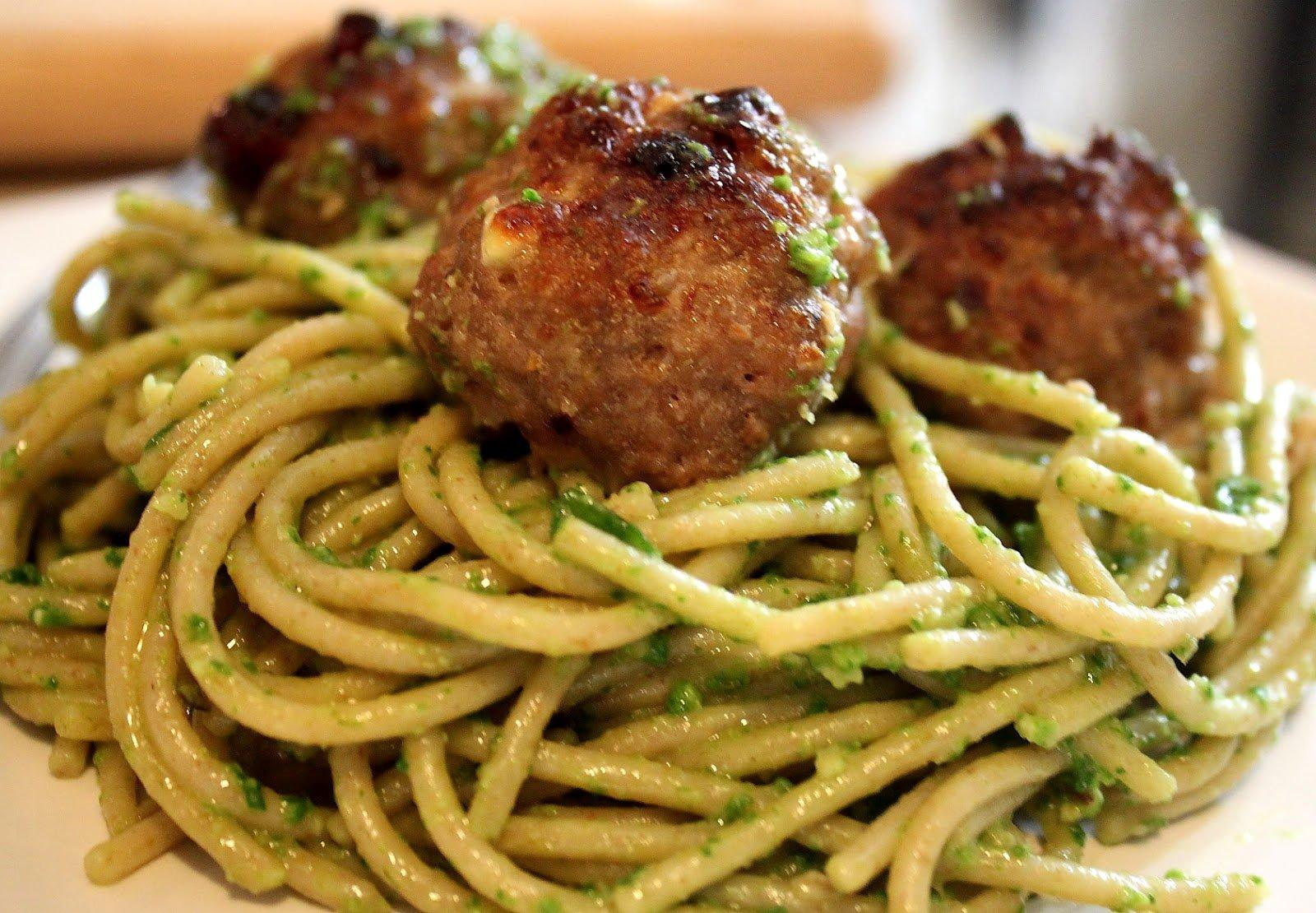 Easiest meatballs recipes that will make a cooking guru for Baked pasta with meatballs and spinach