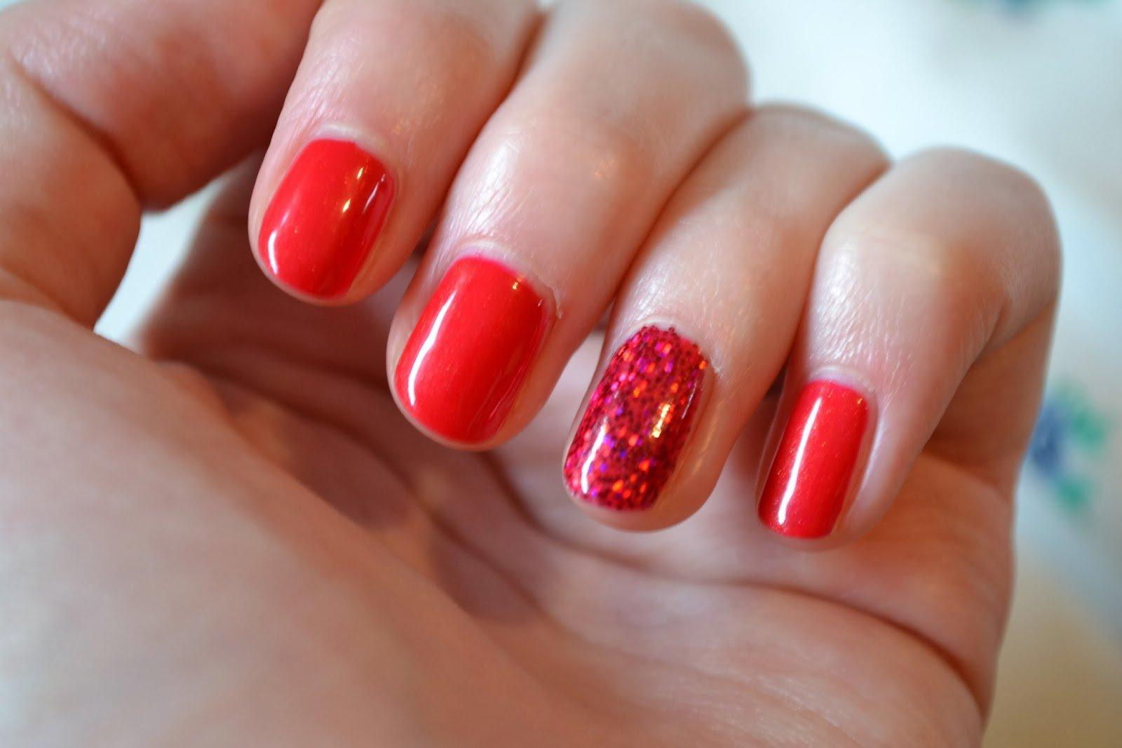 Simple Steps For Making Your Own Shellac Nails at Home