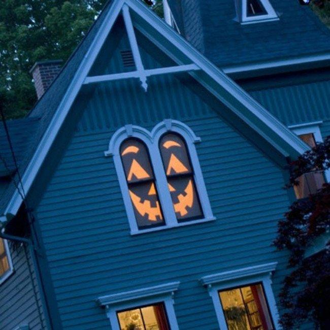 Scary diy halloween decorations that will turn your home for Disney halloween home decorations