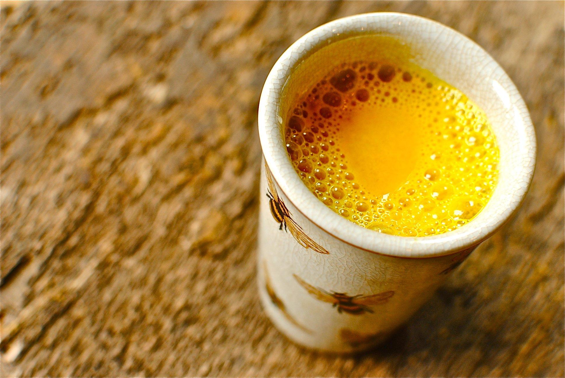 A 5-Minute Turmeric Tea Recipe to Boost Your Immunity