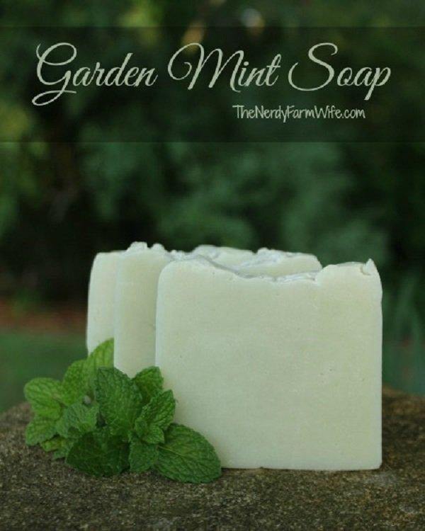 10 Gentle DIY Gardener's Soaps And Scrubs For Grubby Hands