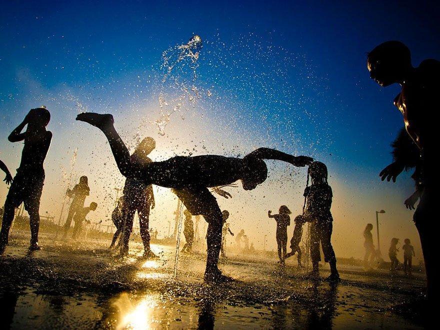Children-Playing-in-Israel tel aviv