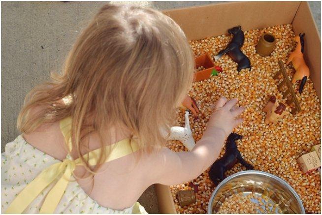 the-wise-baby-corn-sensory-bin-2-600x400