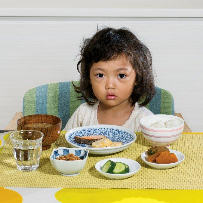 11 Kids From Around The World With Their Typical Breakfast Meals