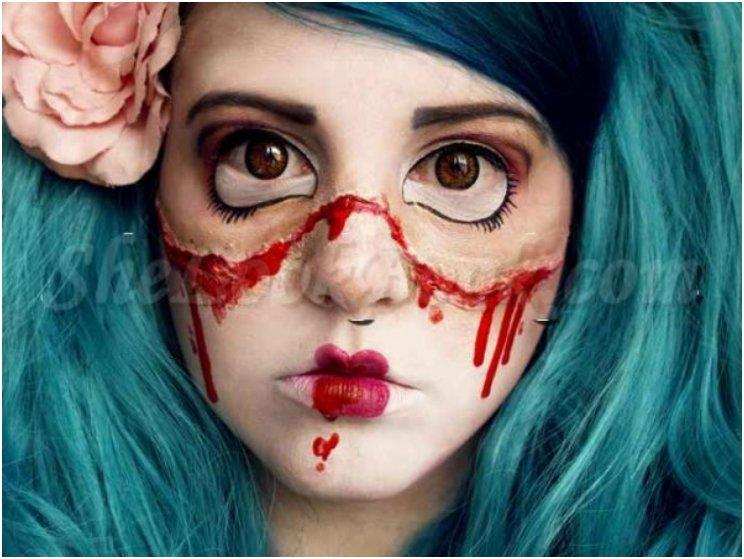 Top-13-Halloween-Broken-Doll-Tutorial-Makeup...eyebrows-dark-brown-eyeshadoweyelidsbase-color-doll-eyegigantic-dolleye-eyeliner-dark-color-to-match-the-makeup-Eyemascara-600x450