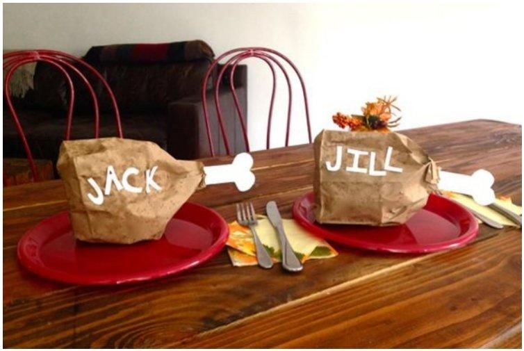 2014-11-6_Kiss-kids-turkey-leg-table-setting