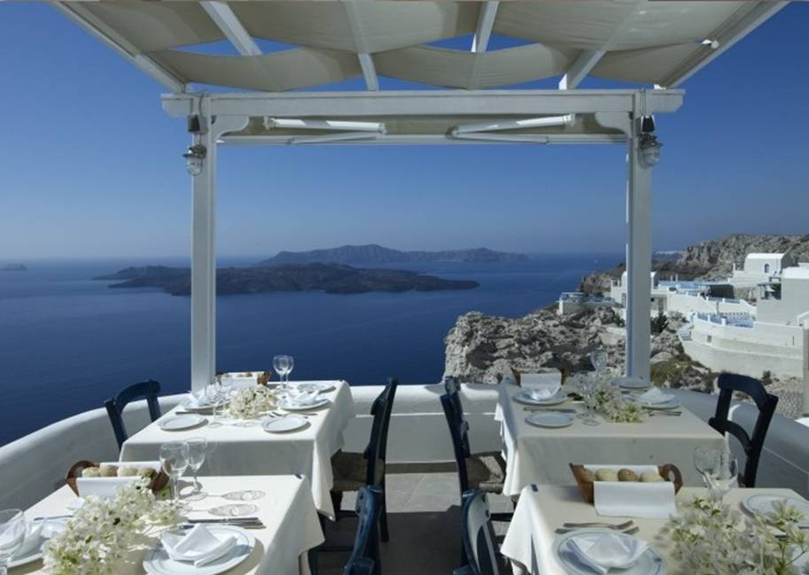 25 Restaurants Around The World With Spectacular Views