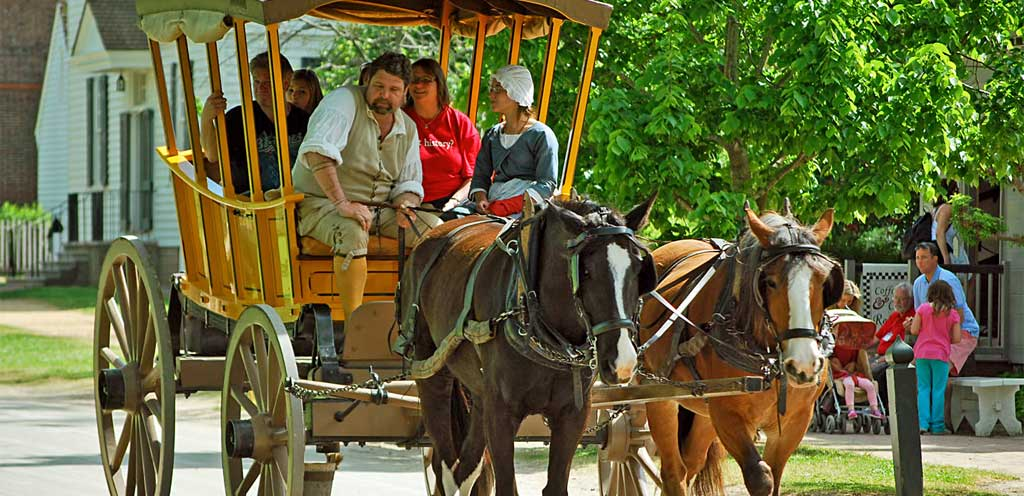 colonial-williamsburg-carriage-ride-tours-1024