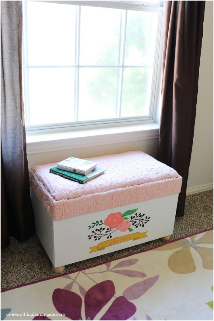 DIY-toy-boxes-you-can-roll-around