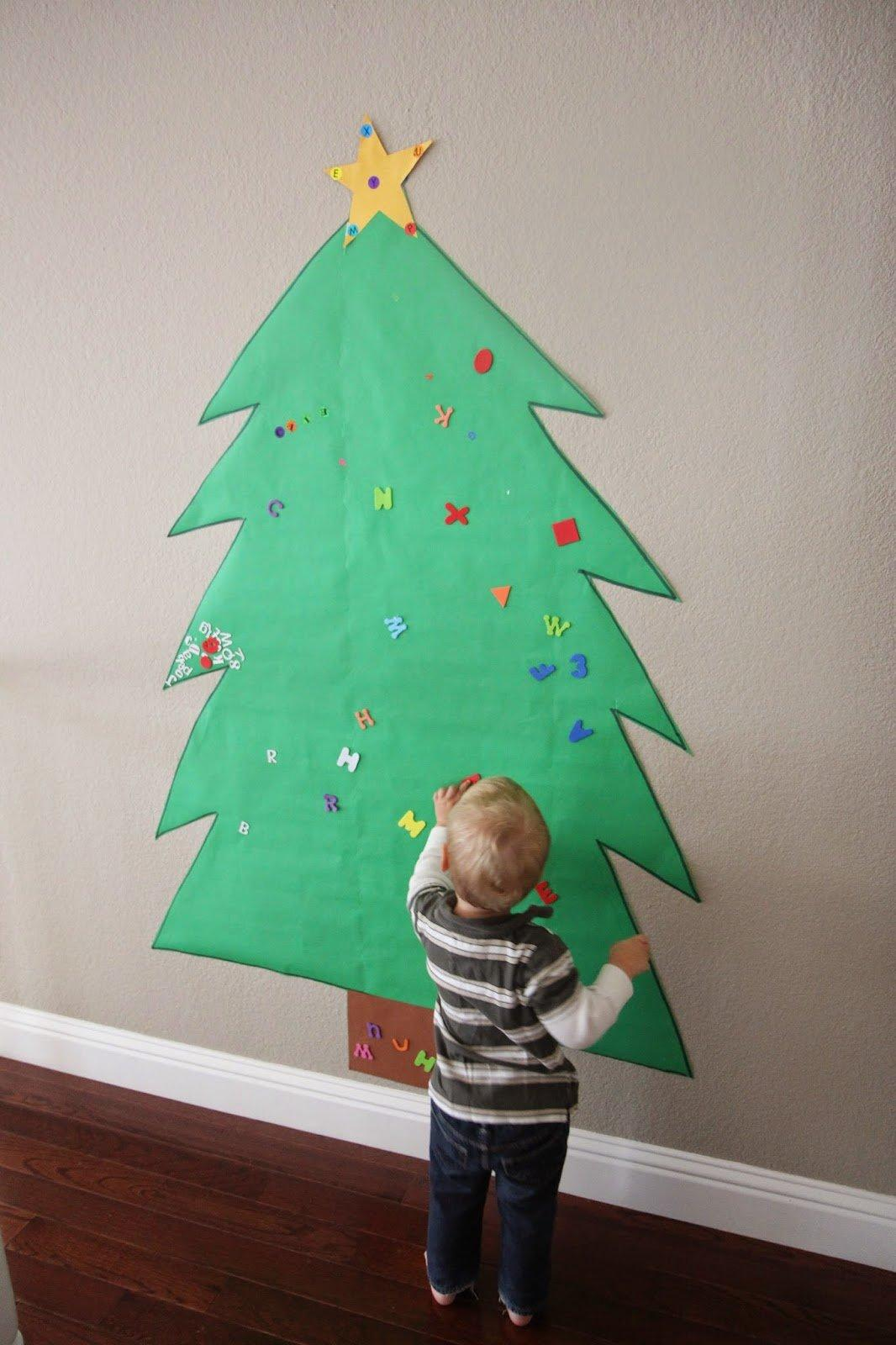 Making A Christmas Tree Out Of Paper