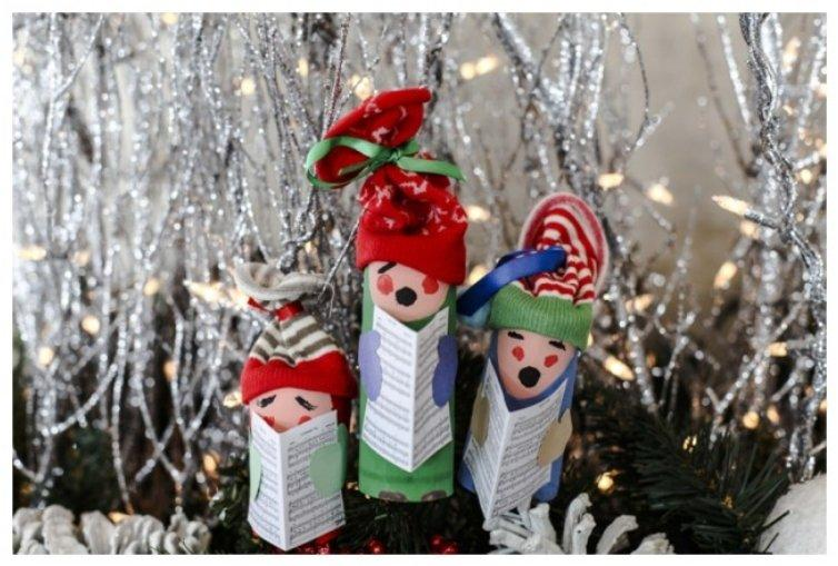 Toilet paper roll carolers