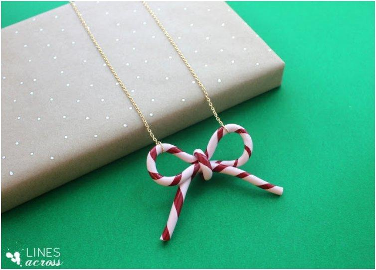 candy-cane-bow-necklace-or-o