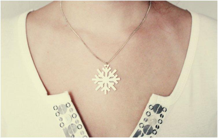 snowflake-necklace-2 (1)