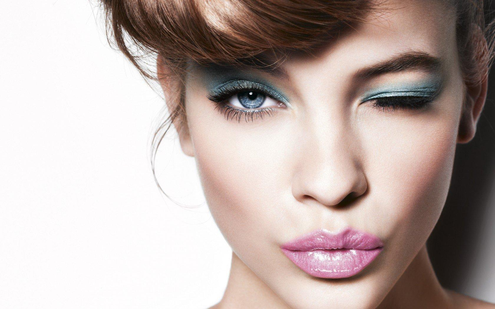 13 Easy Makeup Tricks for Making Your Eyes Pop