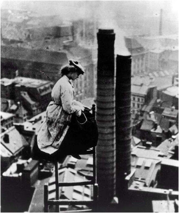 A mason high above Berlin. [c. 1900]