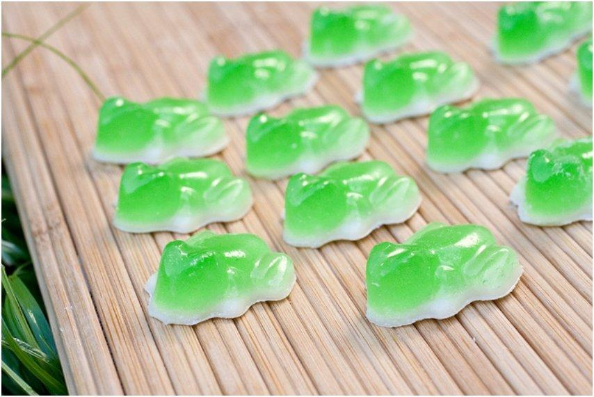 GUMMY FROGS