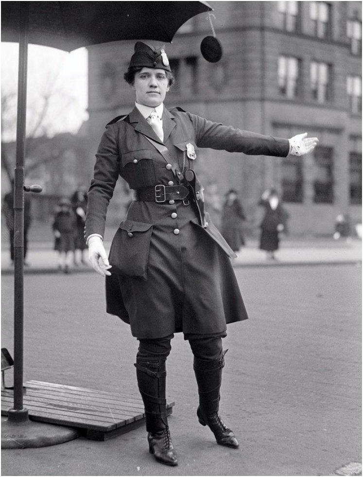 Leola N. King, America's first female traffic cop, Washington D.C. [1918]