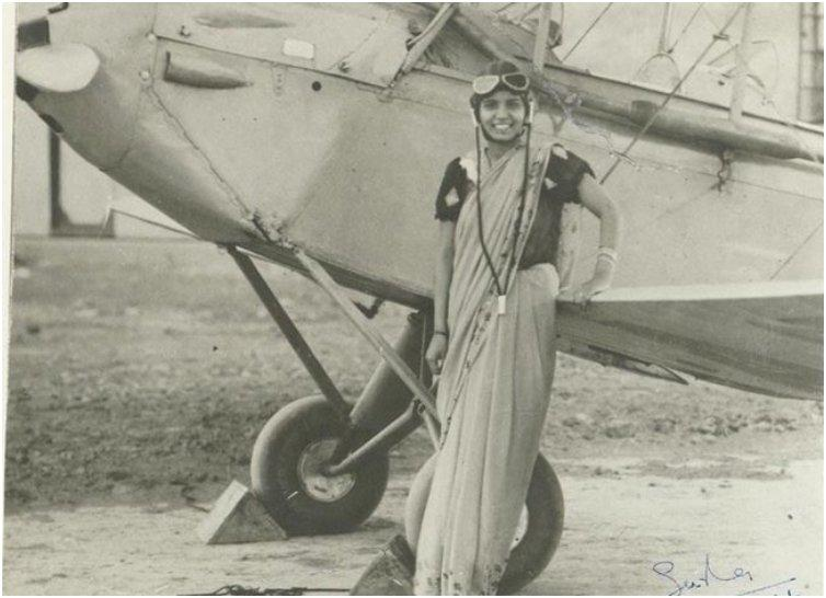 Sarla Thakral, 21 years old, the first Indian woman to earn a pilot license 1936