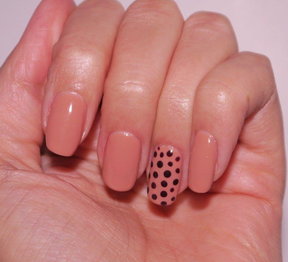 Few Simple Steps For Making Your Own Shellac Nails at Home