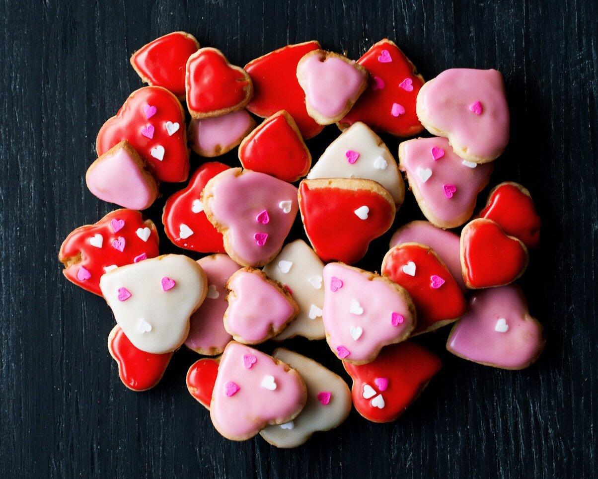 25 Deliciously Romantic Desserts For Valentine's Day