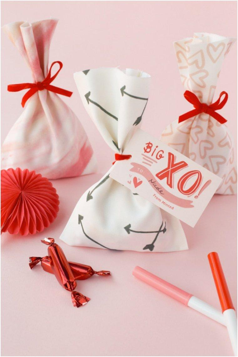 No-Sew Valentine Treat Bag
