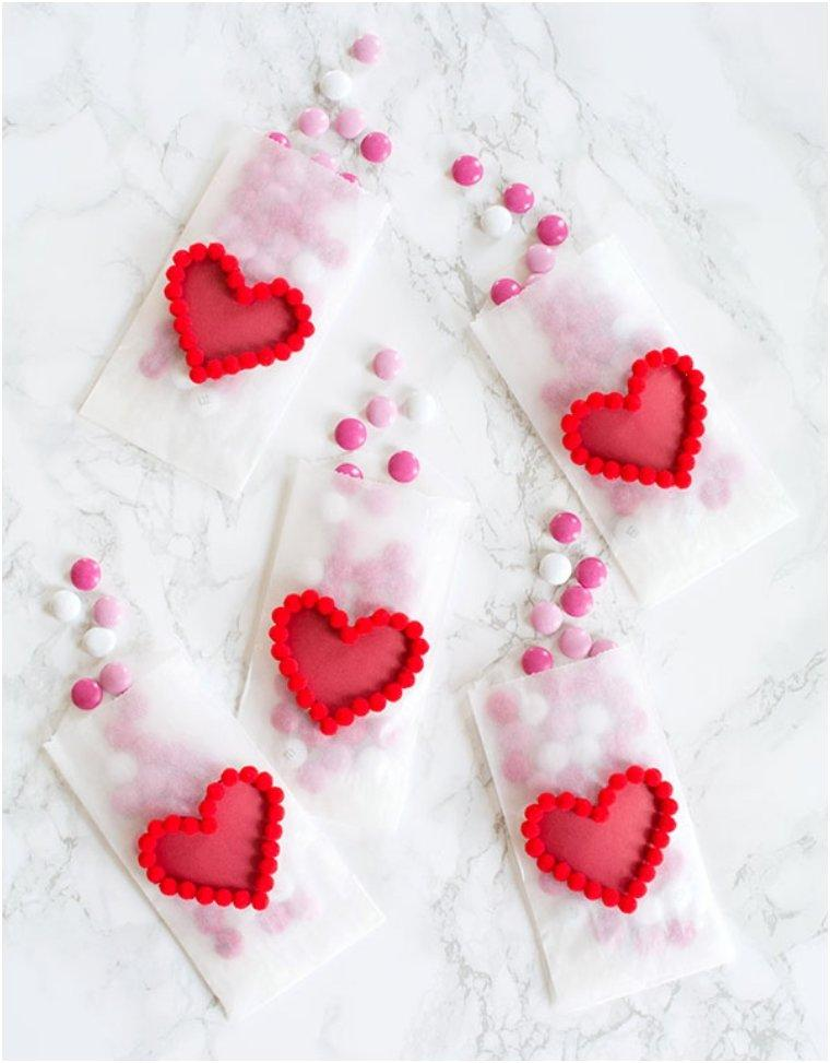 POM POM HEART TREAT BAGS