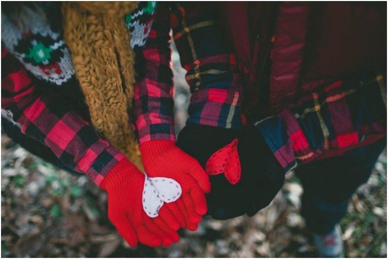 heart in hand gloves