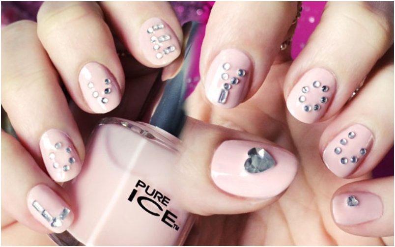 love-you-nails-for-valentines-day