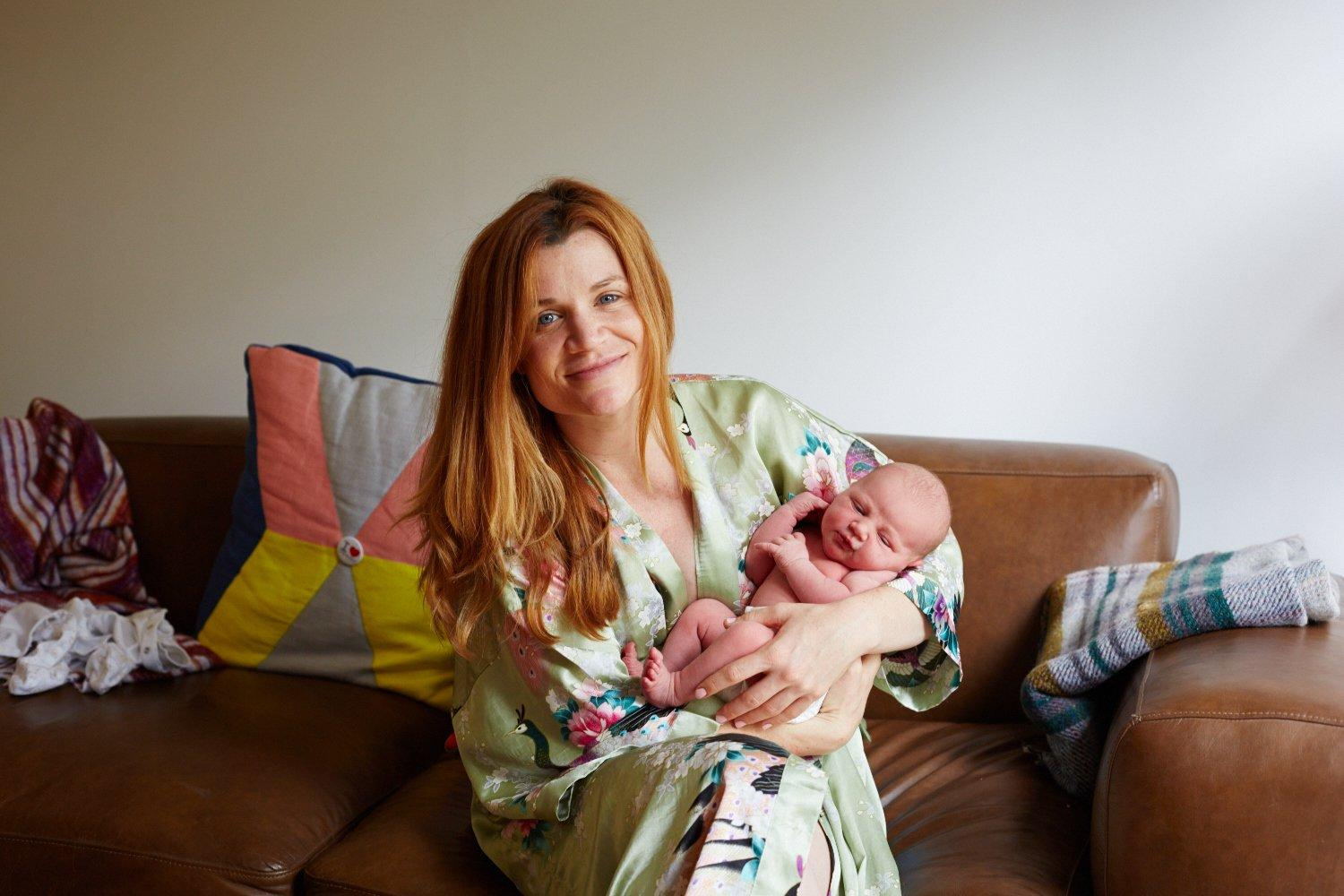 28 Heartwarming Images Of Mothers With Their One-Day Young Babies