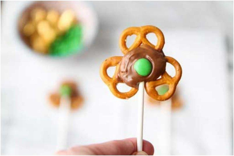 Shamrock-Pretzel-Pop-10_BLOG