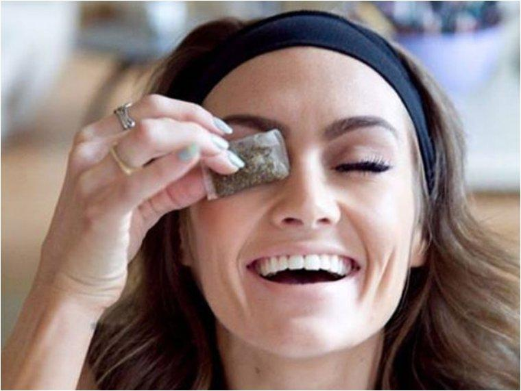 Use cold green tea bags to decrease puffiness under your eyes