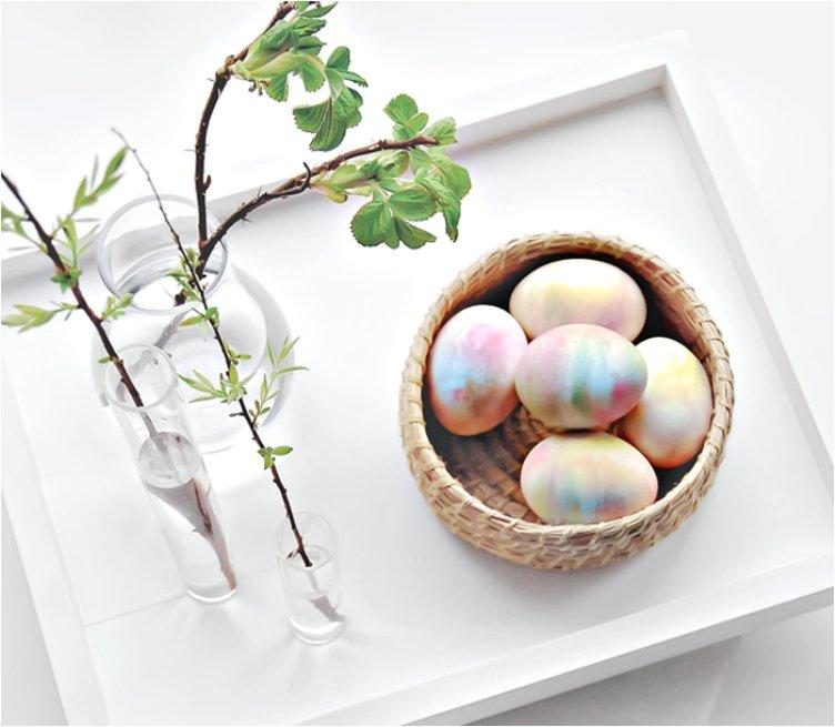 Create Lovely Patterns While Dyeing Your Easter Eggs With These 16 Easy Tutorials