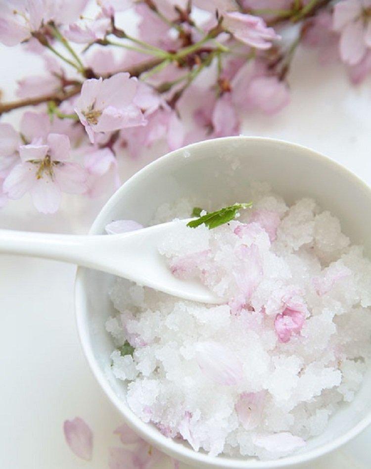 20 DIY Sugar Scrubs To Make Your Cold-Worn Skin Sparkle