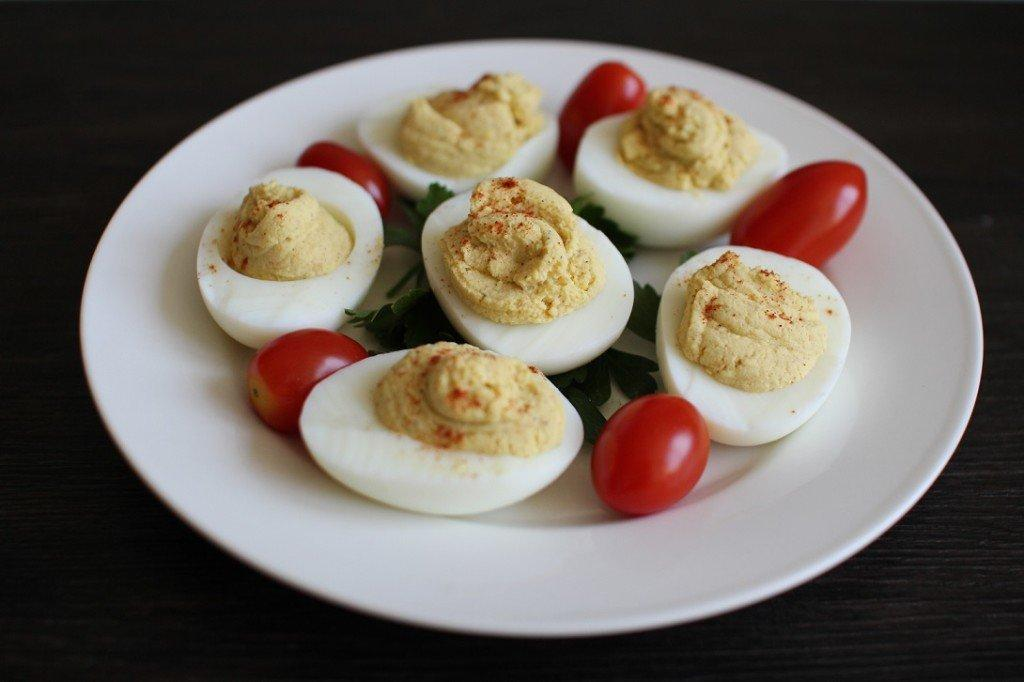 Healthy-deviled-eggs-1024x682