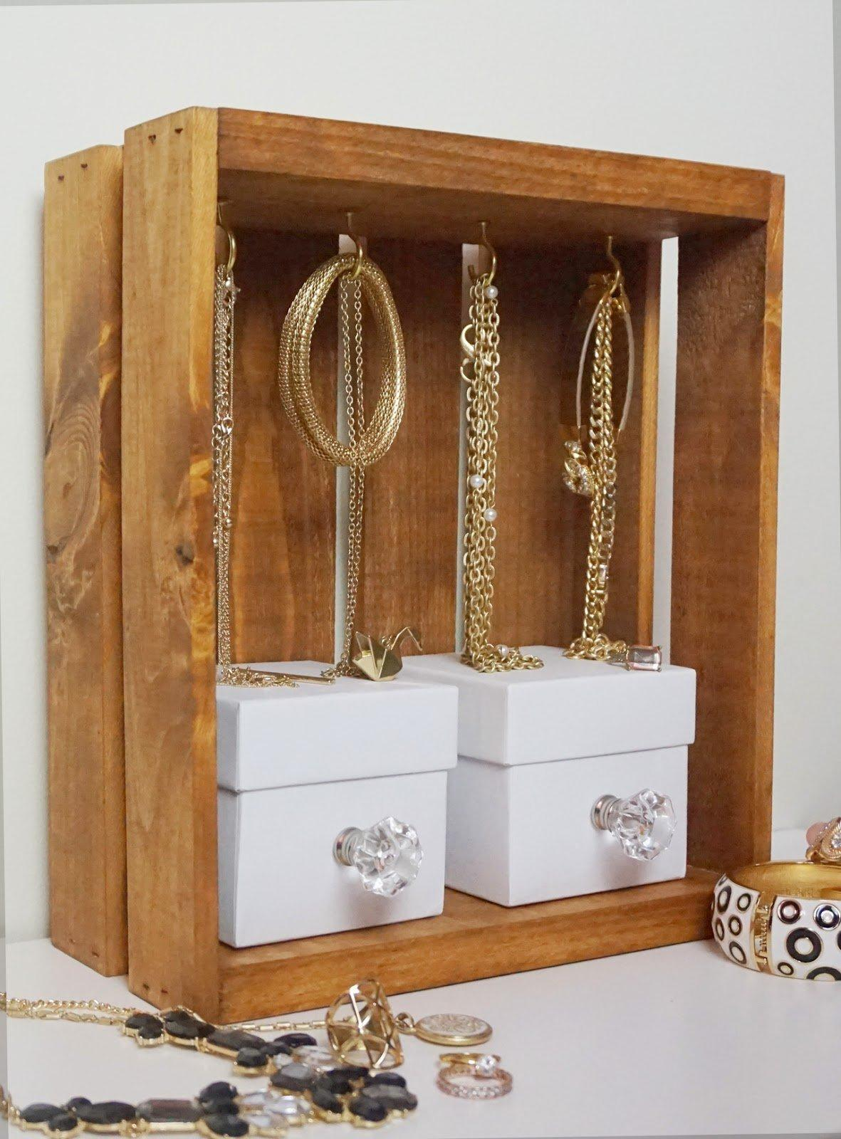 Keep your jewelry organized with these lovely 20 diy for Jewelry displays