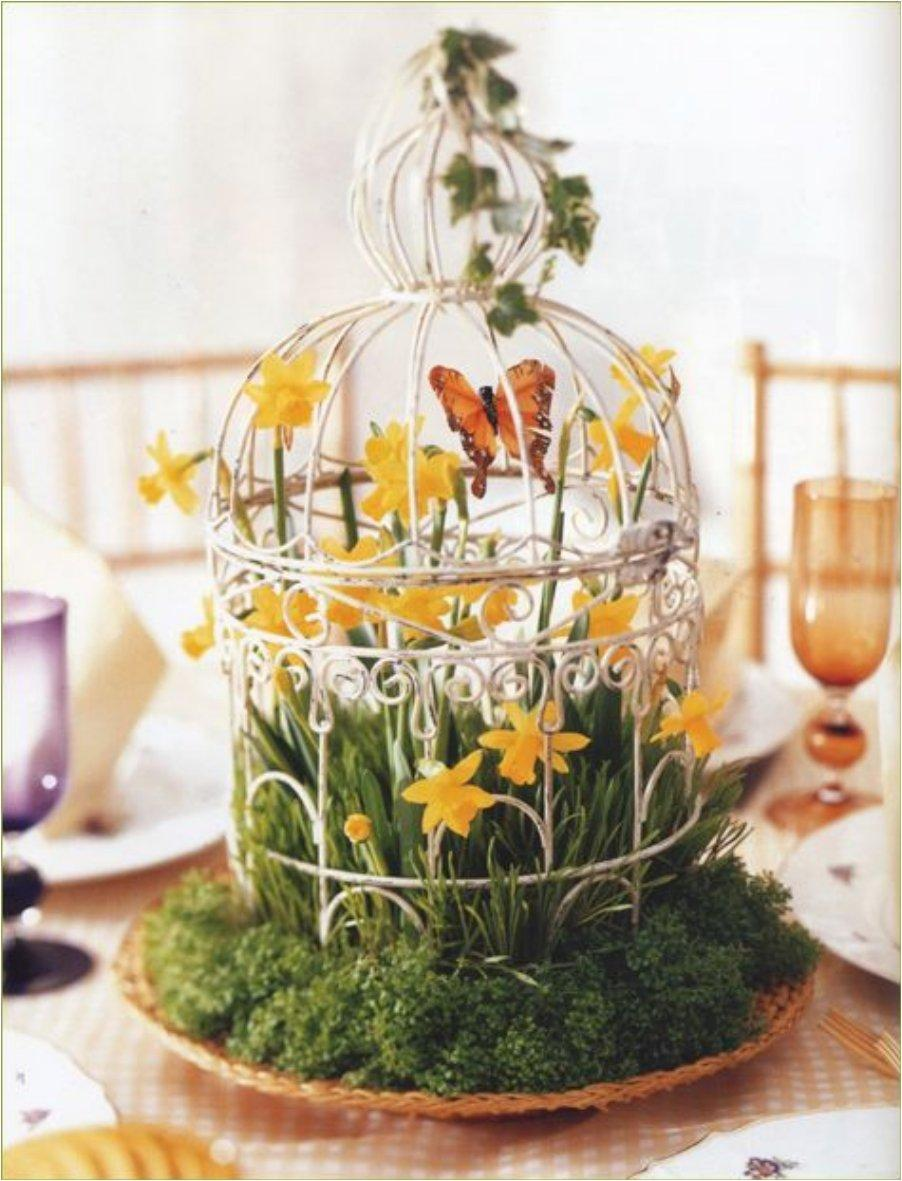 Spring Centerpiece : Give your home a chic decor by reusing old bird cage
