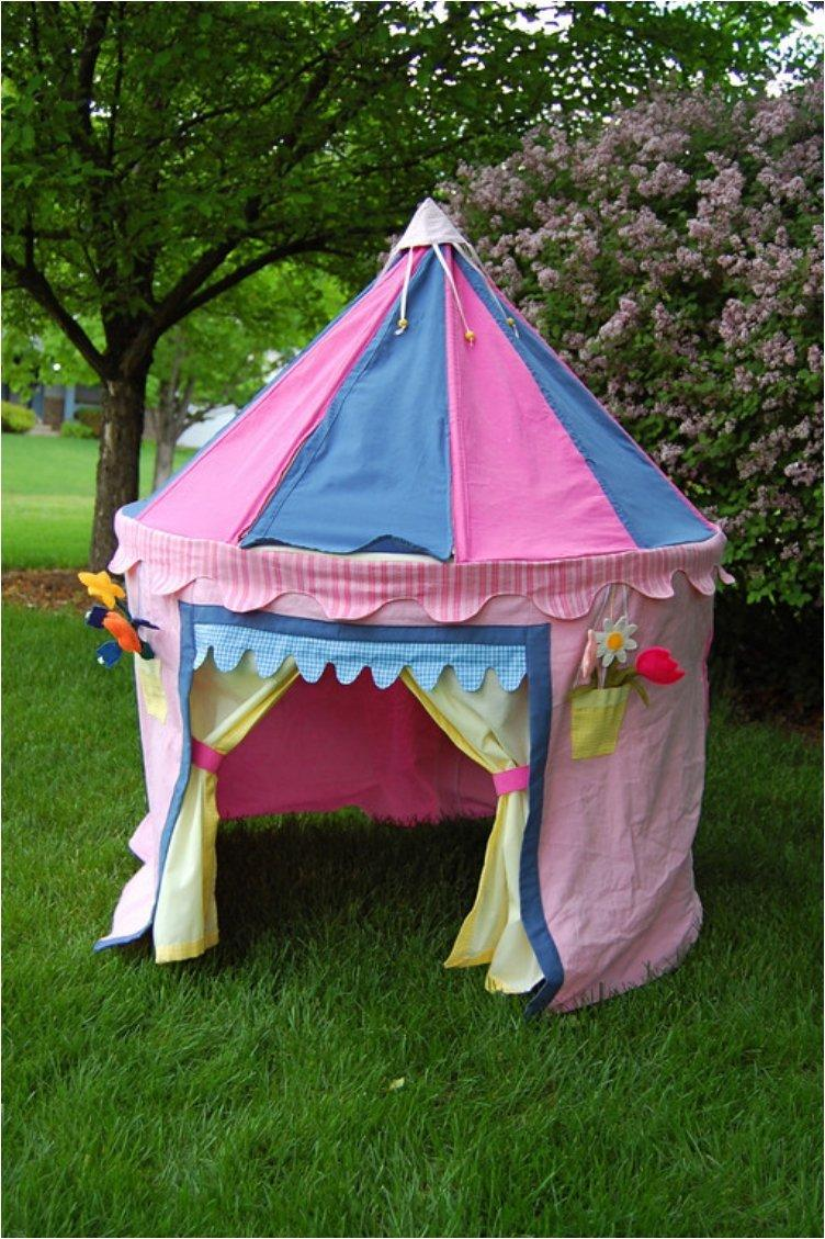 Give Your Kids A Small Space Of Their Own With These 12 DIY Tents And Teepees