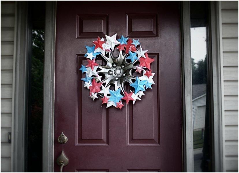 15 Easy DIY's For Giving Your Door The Perfect Patriotic Makeover
