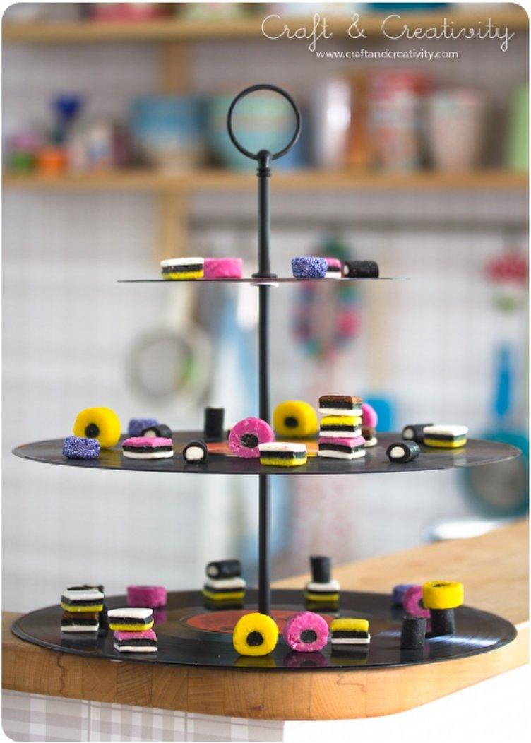 Proudly Display Your Dessert On 15 DIY Lovely And Adorable Cake And Cupcake Stands