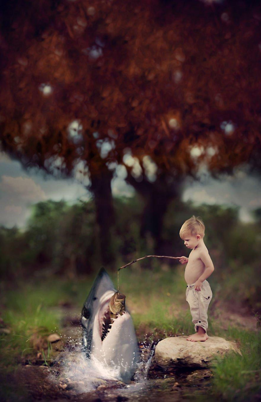 A Child's Boundless Imagination Brought To Life Within 20 Photographs