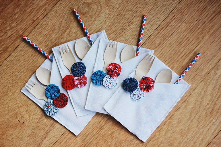 Add A 4th Of July Touch To The Table With These 16 DIY Place Settings