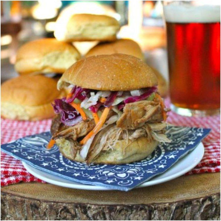 North Carolina Style Pulled Pork Sliders