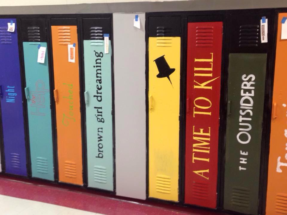 The Boring High School Hallway Was Transformed in PURE ART by Few Mississippi Teachers