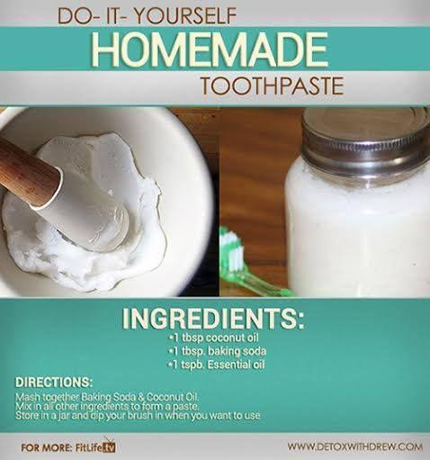10 Healthy Alternatives to Toothpaste and 3 Simple DIY Recipes