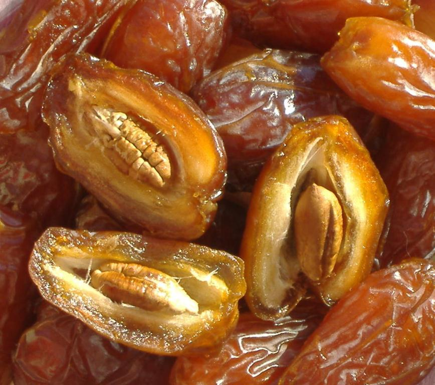 This is Dates - Planet's Healthiest Fruit That Cures Many Diseases